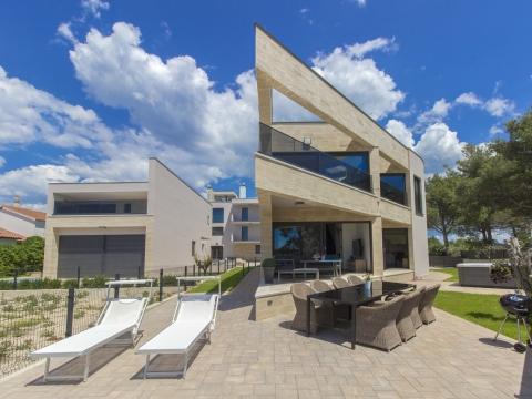 Villa od 240m2 na Srimi