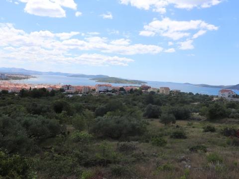 Zemljište u Vodicama s predivnim pogledom na more