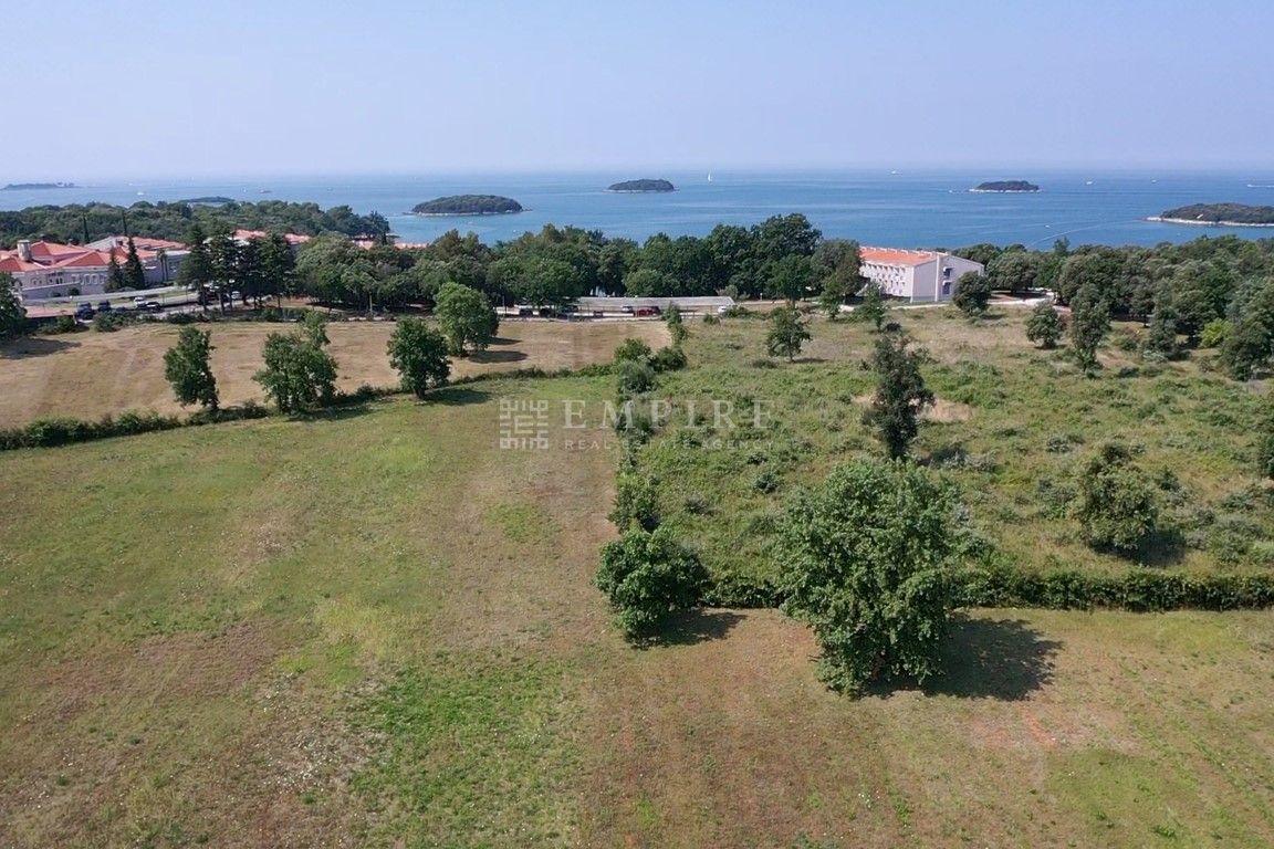 Funtana, zemljište turističke namjene 11 405m2