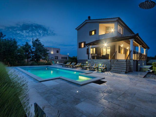 Svetvinčenat Prekrasna Villa na prodaju!