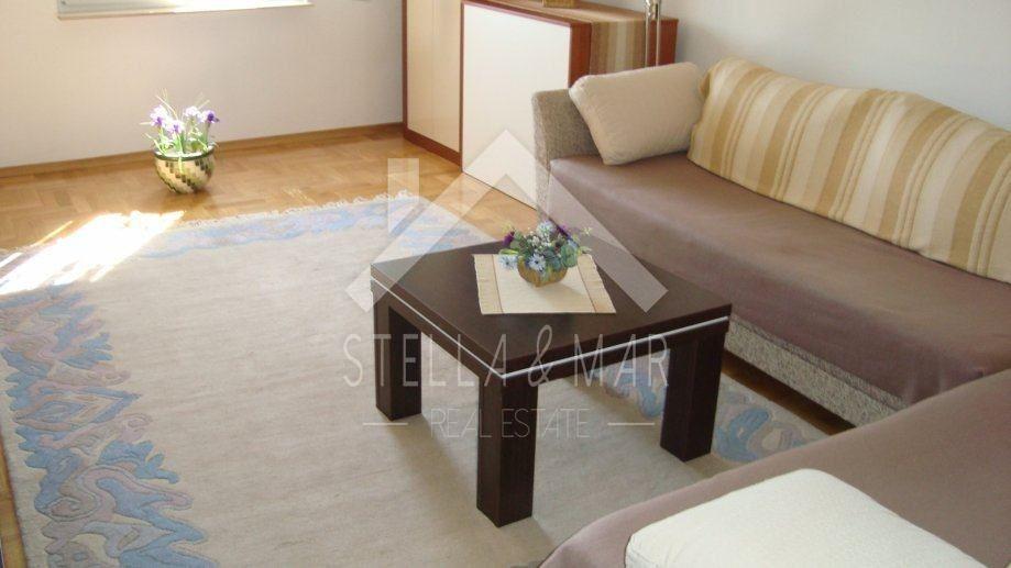 Posedarje - Kuća sa tri stana i pogledom- 273 m2