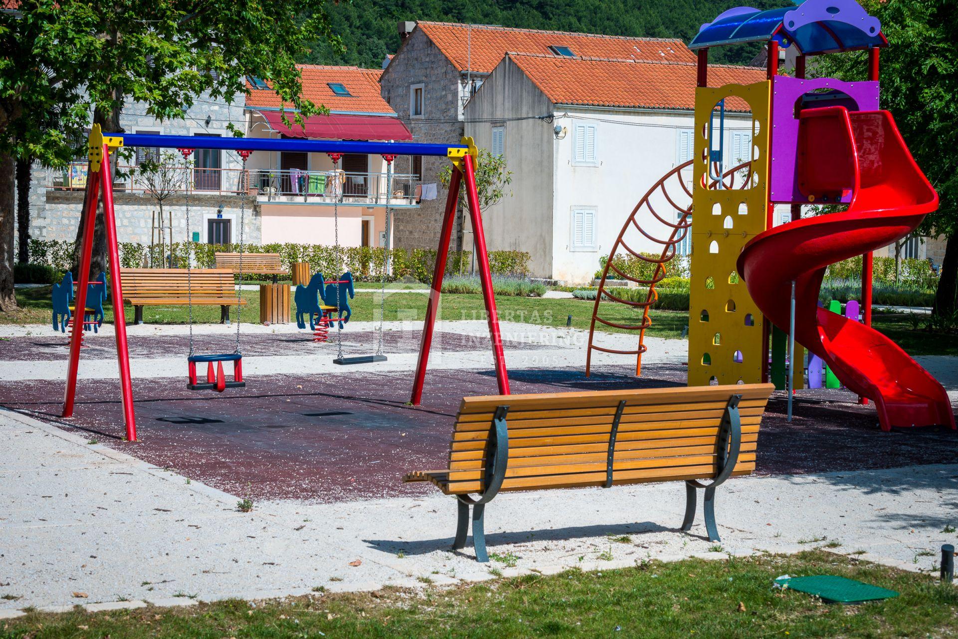 Komarda park in Ston