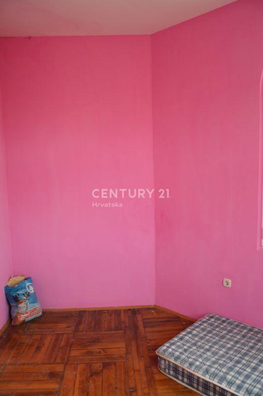 Stan 112 m2 u CENTRU Pule