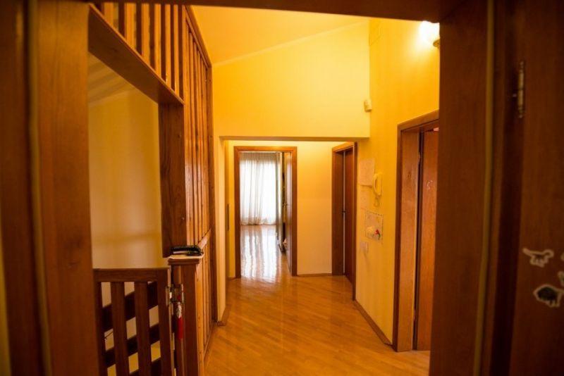 Kuća: Zagreb (Borčec), katnica, 408.00 m2 (prodaja)