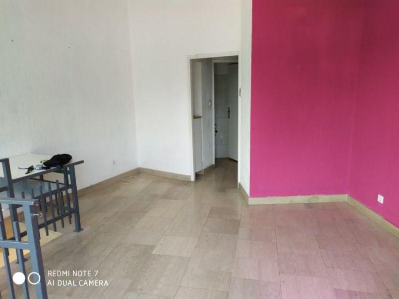 Poslovni prostor: TREŠNJEVKA, ulični lokal, 50 m2 (iznajmljivanje)