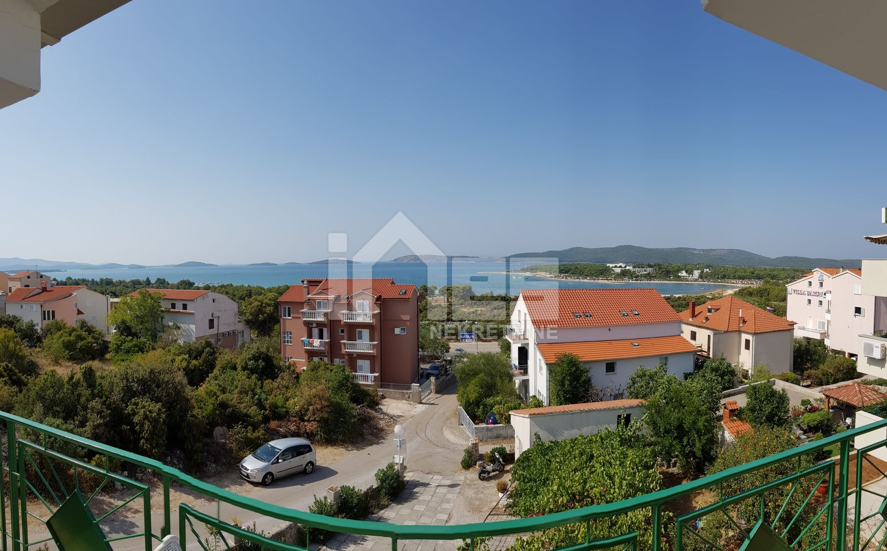 Apartmanska kuća s pogledom na more