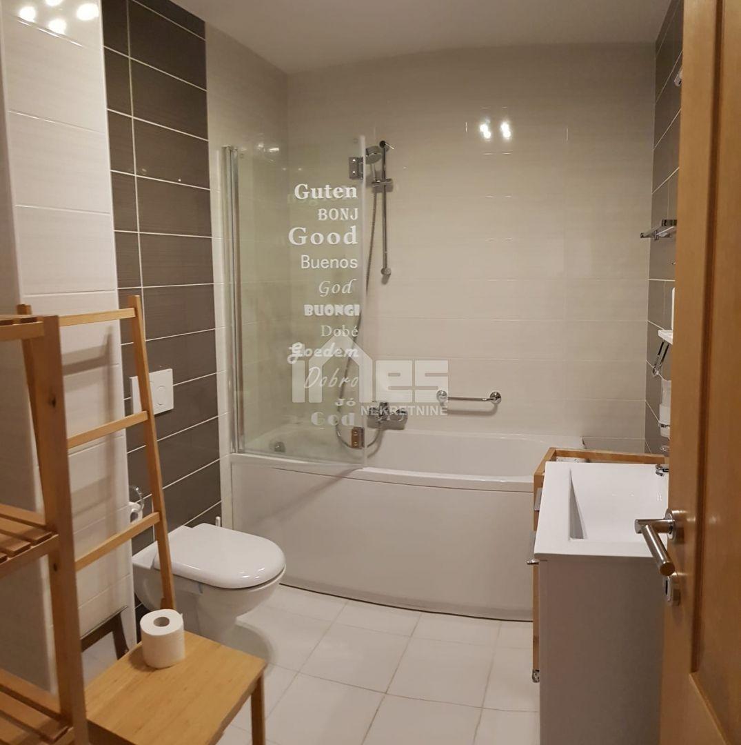 Prodaje se kompletno namješten stan u Lug Samoborski