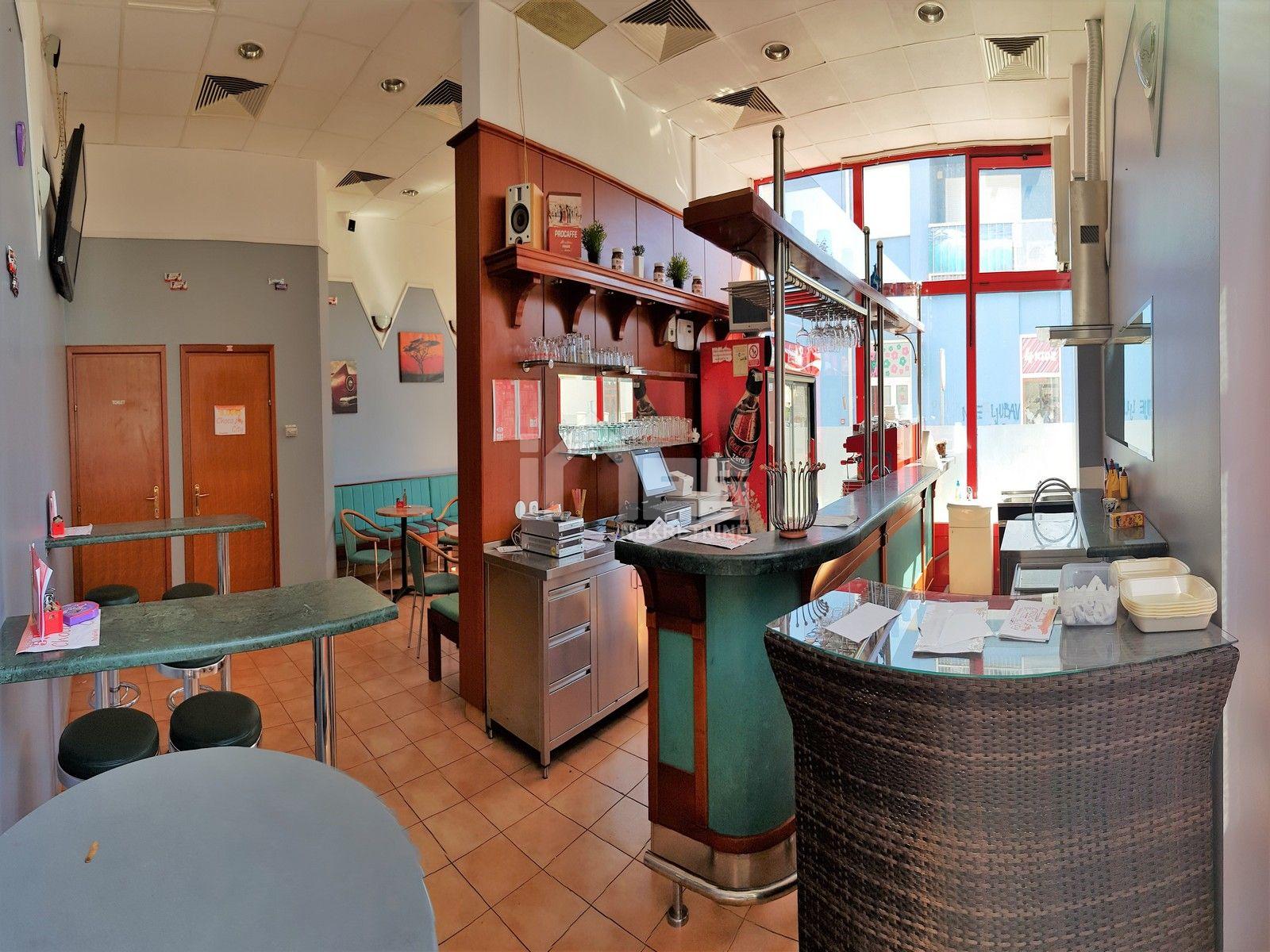 Opremljeni kafić za najam