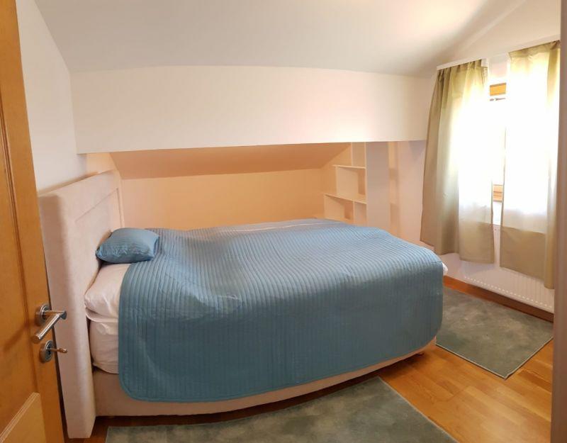 Predivan stan u potkrovlju u stambenoj zgradi u Lugu Samoborskom