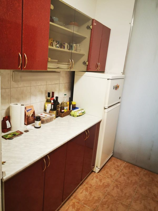 Prostrani četverosoban stan na Krugama