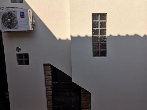 Kuća + stan s garažom u dvorištu