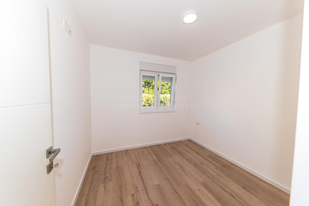 Luksuzni apartma prvi rdeč do mora v Žaboriću, Hrvaška