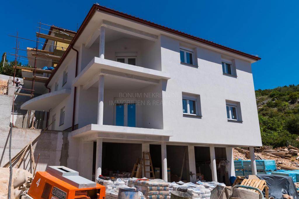 Primošten, novogradnja, atraktivno stanovanje na mirni lokaciji