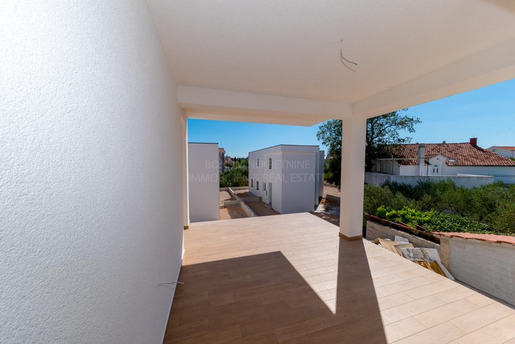 Attractive apartment near the sea and beach, Srima, Vodice