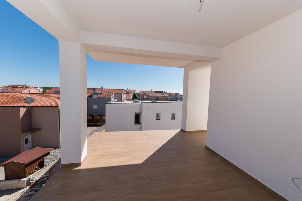 New attractive apartment in Srima near Vodice