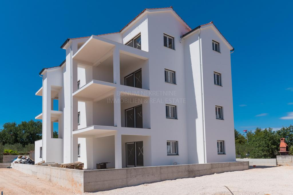 New building, Vodice, Srima, attractive two bedroom apartment near the sea and the beach