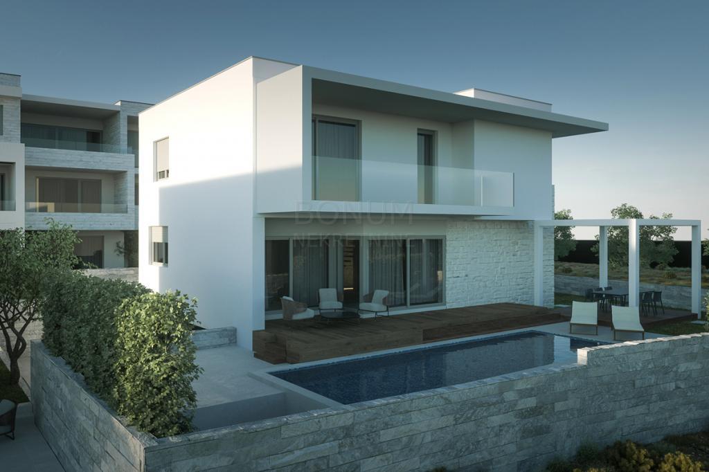 Prodaje se nova moderna kuća sa bazenom, drugi red do mora