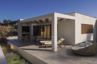Prodaje se luksuzna vila na top lokaciji u prvom redu do mora