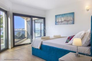 Vodice, Srima, Luksuzna nova modrena vila prvi red do mora