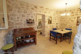 Otok Murter, luksuzna kamena kuća na atraktivnoj lokaciji 15 metara do