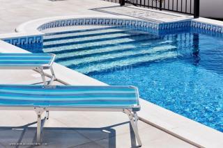 Luksuzen apartma z bazenom in vrtom 17m2, ki se nahaja v pritličju, Primošten