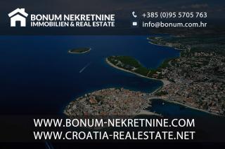 Luksuzni trisobni apartma ob morju in plaži v Žaboriću na Hrvaškem