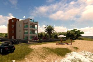 Luksuzen apartma z vrtom v prvi vrsti do morja v Sukošanu