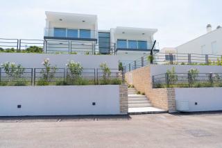 Luksuzno novo stanovanje s panoramskim pogledom na morje