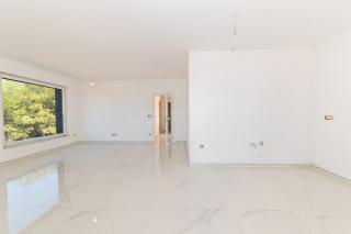 Prva vrsta do morja, novogradnja, prodaja, luksuzno stanovanje na Srimi v Vodicah na Hrvaškem