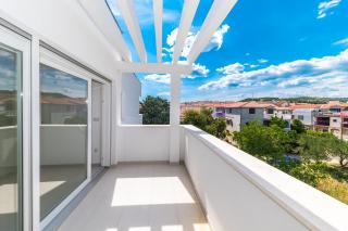 Vodice, new apartment comfortable with large terrace and sea view