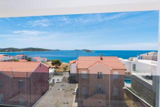 Rogoznica, new modern apartment near the beach with a view