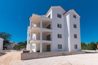 Srima, Vodice, novi luksuzan stan blizu mora i plaže