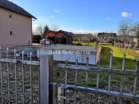 Nova Gorica - Novo Čiče, gr. zemljište s građevinskom dozvolom, 484m2