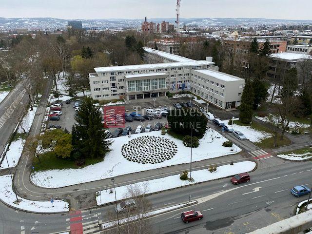 CENTAR,P. Krešimira IV, Sl. Brod, dvosobni stan,62 m2, X. kat, lift
