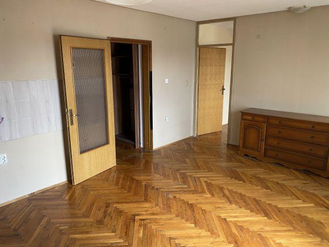 PRIMORSKA, Sl.Brod, 4-sobni stan, 95 m2, potkrovlje, centralno plin, parking