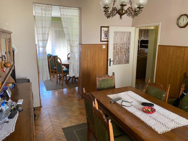 BERISLAVIĆEVA, katnica 120 m2 + podrum, garaža, POVOLJNO.