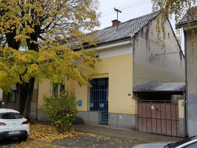 S.Pl.Horvata,Sl. Brod,prizemnica do ulice + visoka prizemnica, 200 m2.