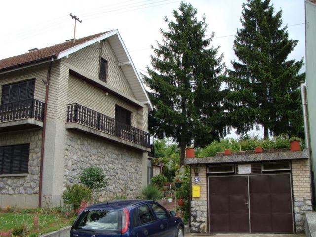 Veliki Dol, Brod,Varoš, katnica, 180 m2+garaža,dvor.zgrada,ok.662 m2