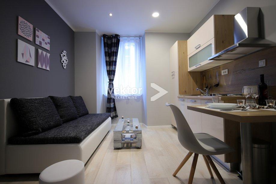 Stan, Centar, 75m2, dva stana, za investiciju