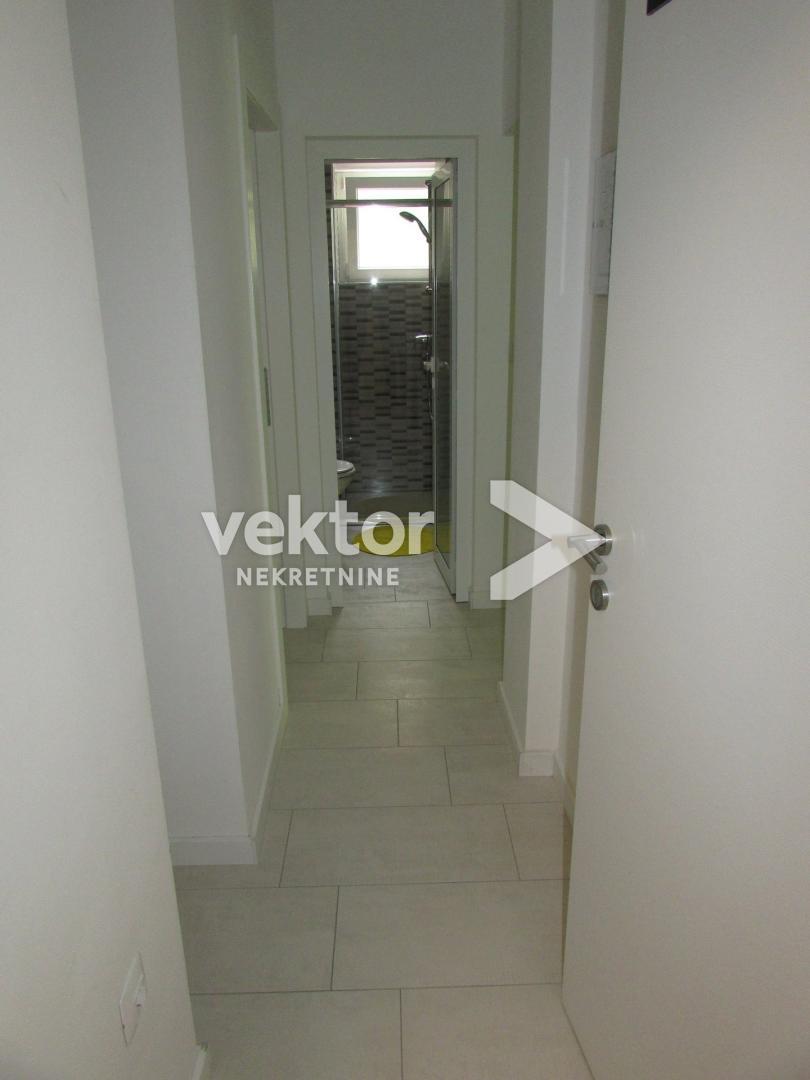 Stan, Centar, 72m2, 3-soban, dva apartmana