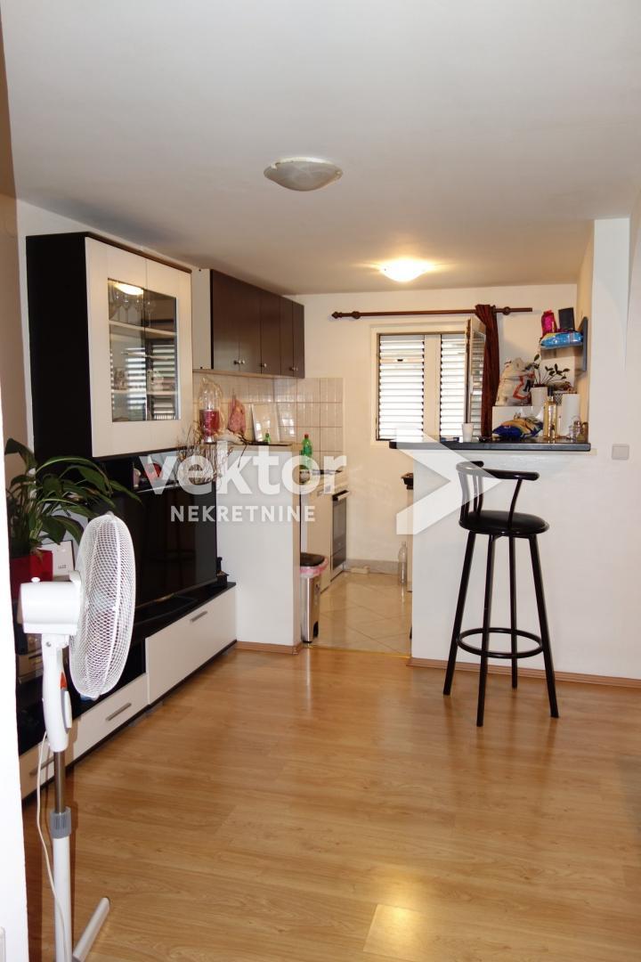 Stan, Hosti, 62 m2, 1- sobni s dnevnim boravkom