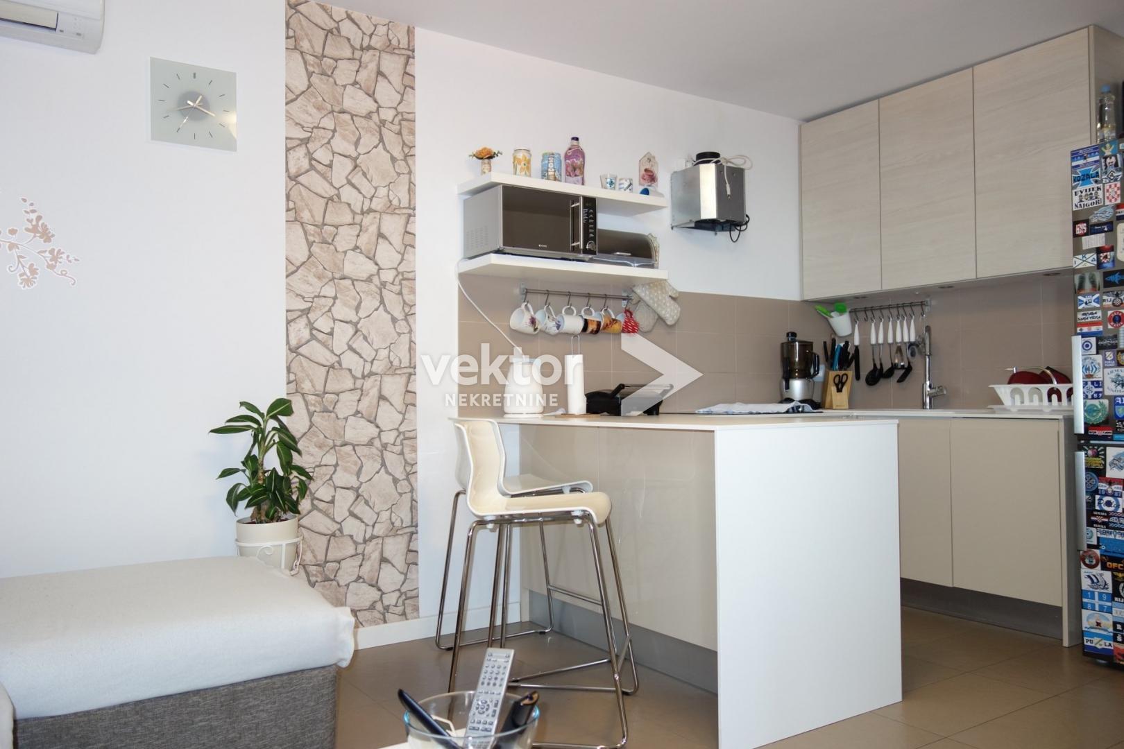 Stan, Donja Drenova, 54m2, 2-soban s dnevnim boravkom, adaptiran