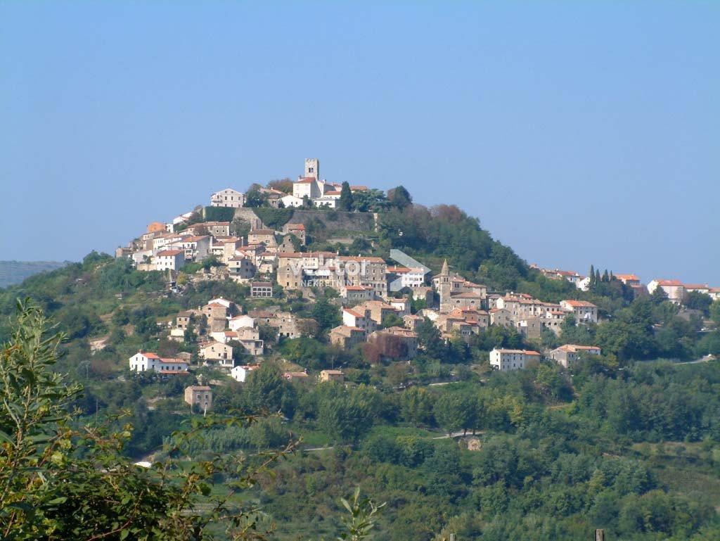 Kuća, Istra, Motovun, imanje s 22.000m2 zemljišta