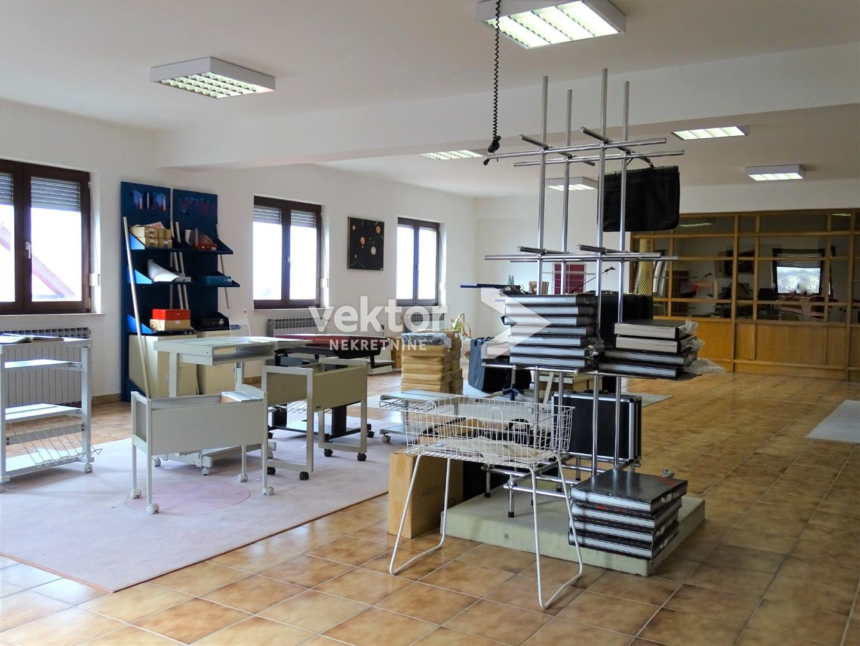 Poslovni prostor, Kostrena, 1900m2, poslovna zgrada