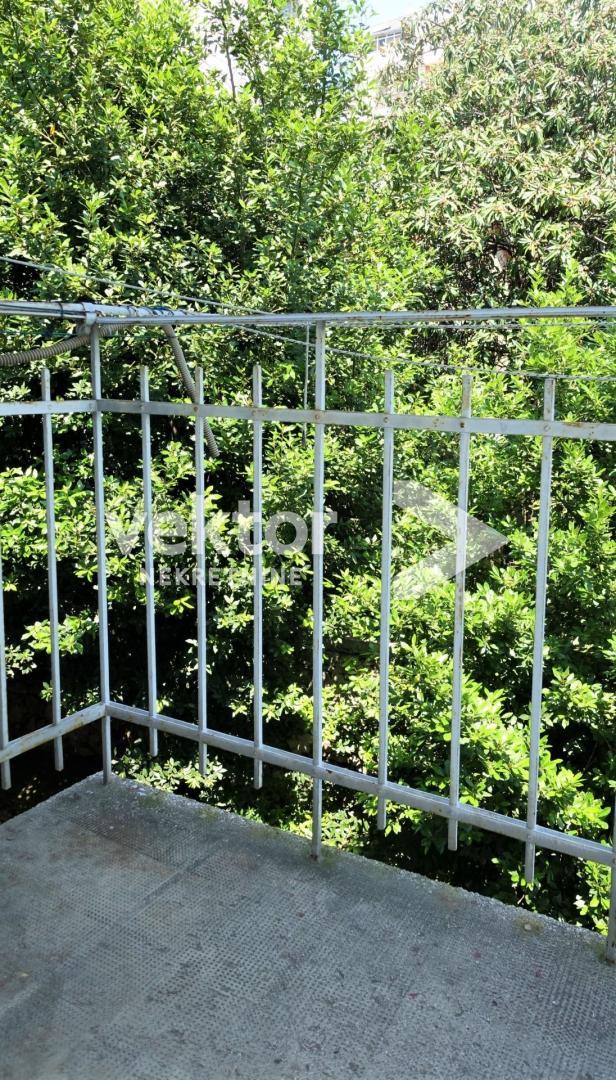 Stan, Krnjevo, 55m2, 2-soban s dnevnim boravkom, dva balkona