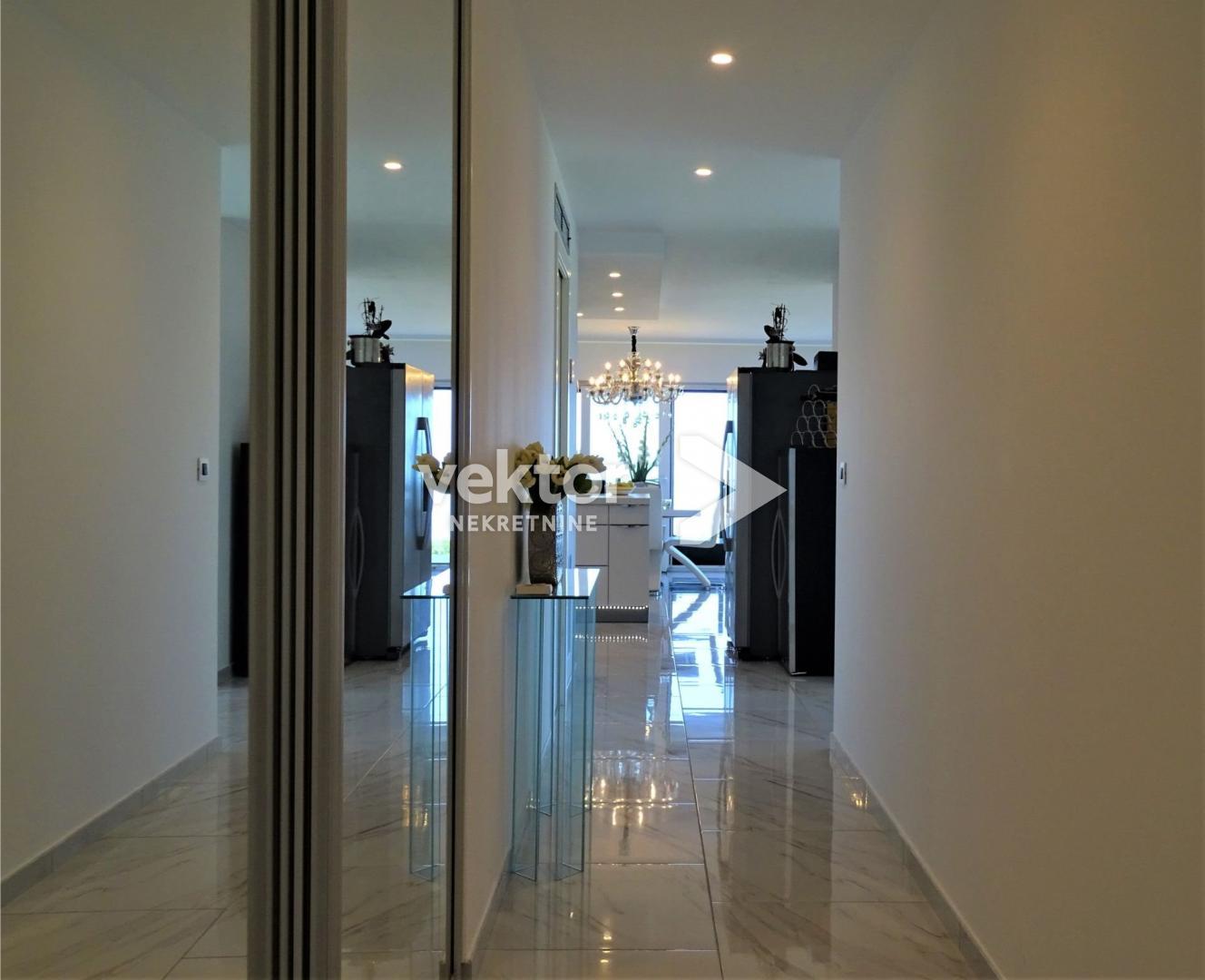 Wohnung Kostrena, 122,90m2