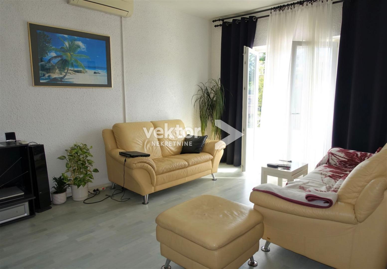 Kuća, Kastav, 300m2, dva stana, 175.000€