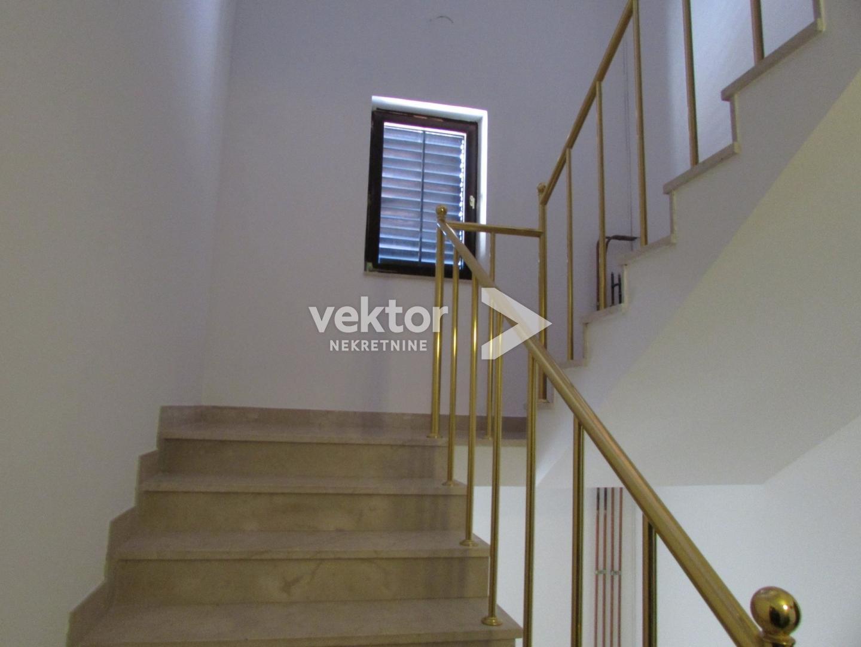Haus Saršoni, Viškovo, 477m2