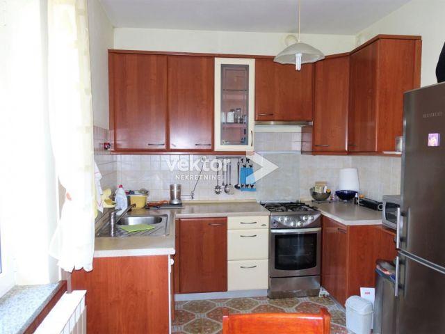 Matulji, Kuća sa dva stana