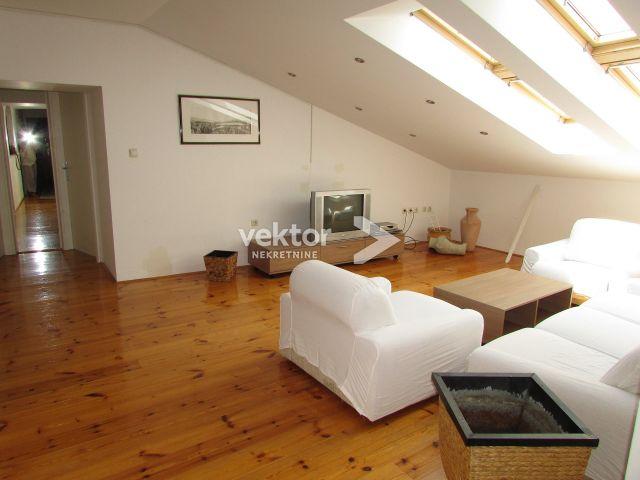 Stan, Rijeka, Centar, 89m2, 3-soban s dnevnim boravkom